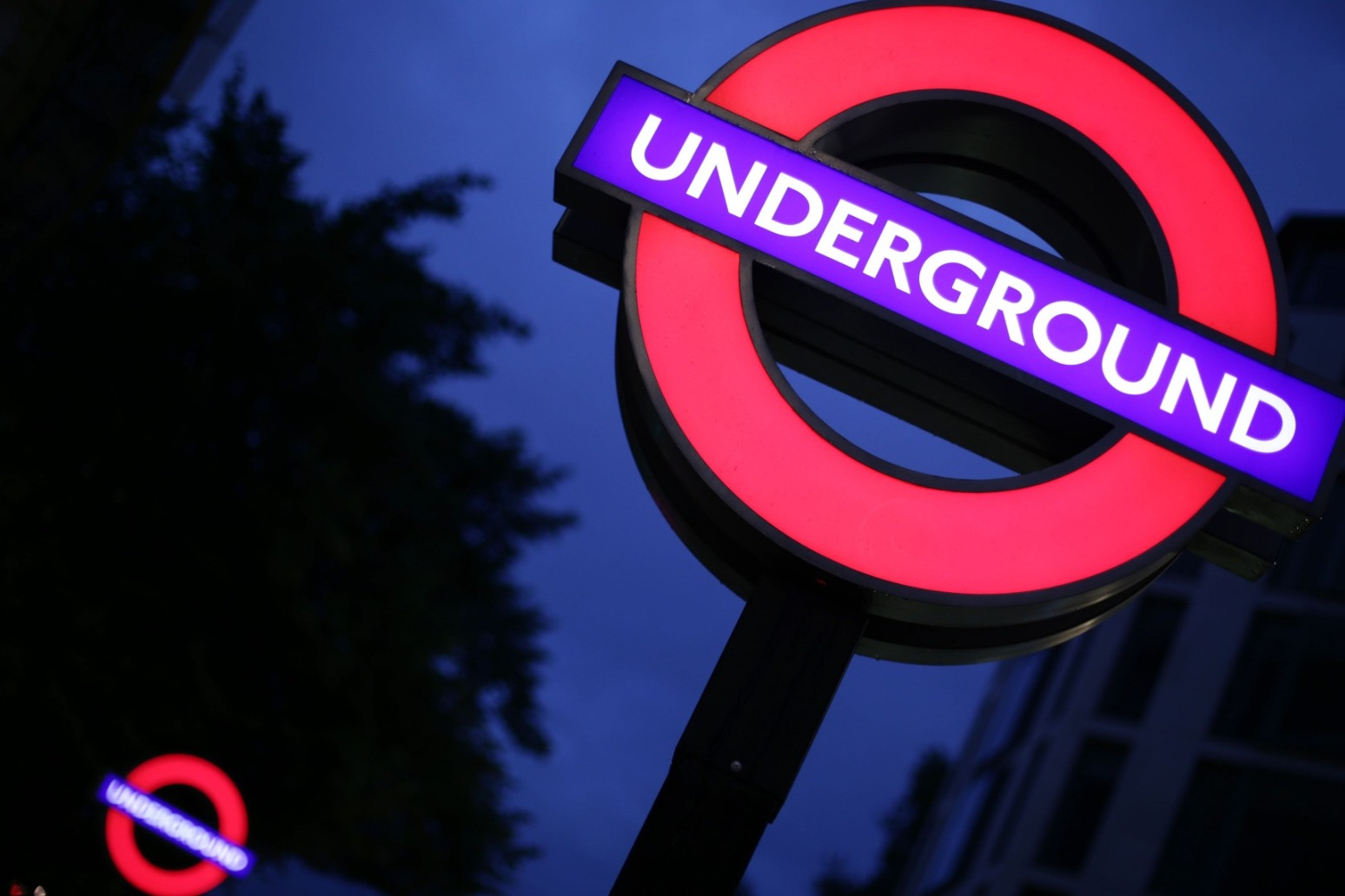 London underground workers to be balloted on strikes in pay row