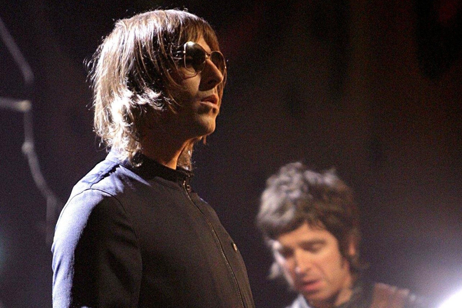 Liam Gallagher and Mark Owen to lead doorstep singalong