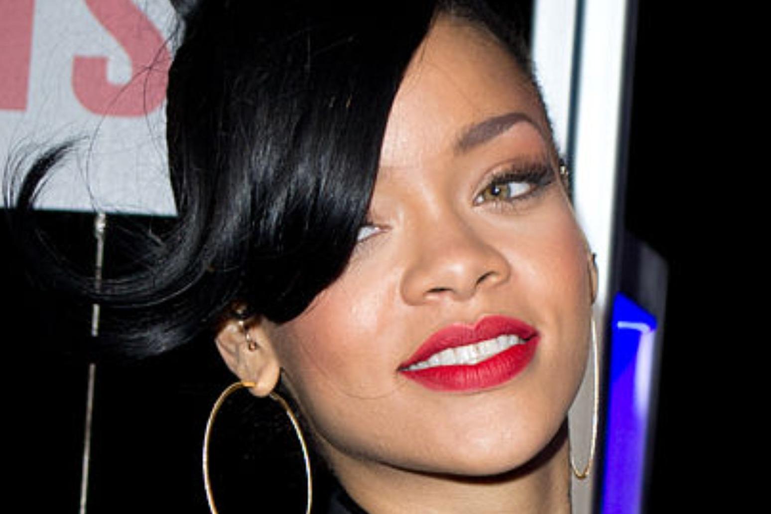 Forbes magazine says Rihanna is officially a billionaire