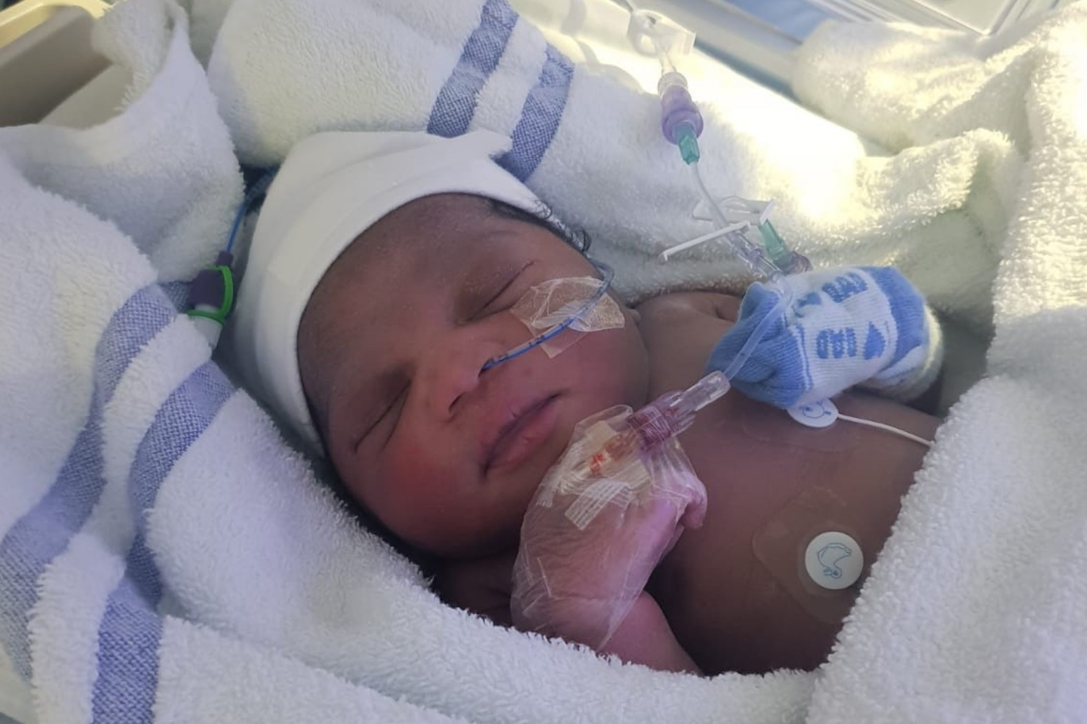 Appeal to trace the mother of a newborn abandoned in London