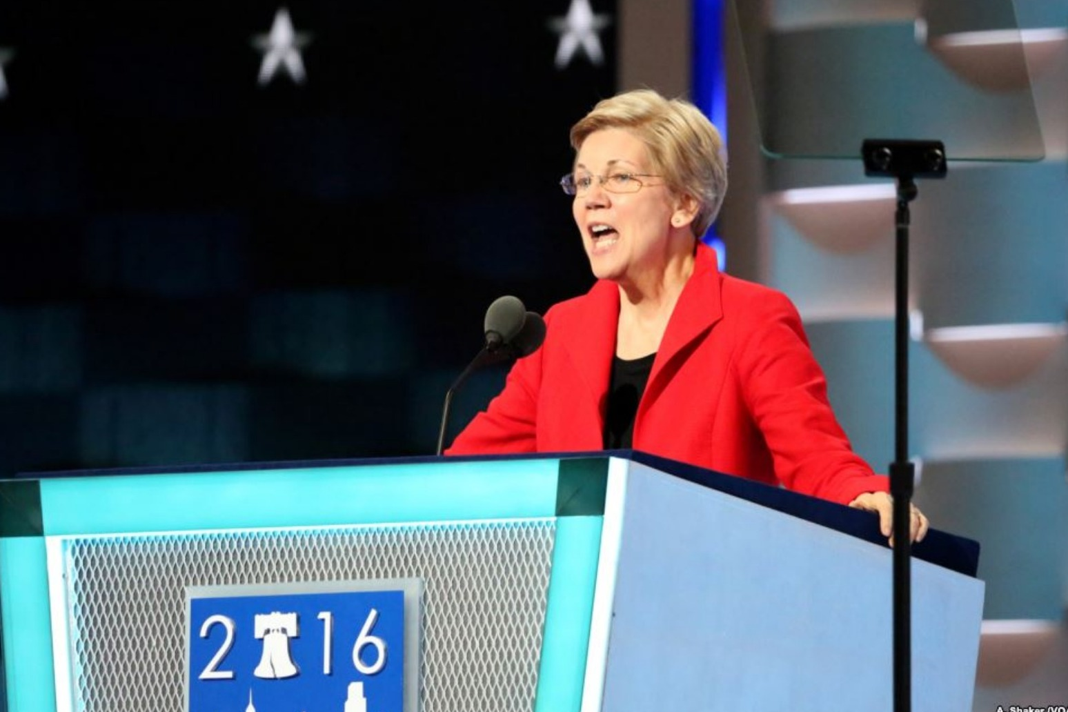 U.S. Sen. Warren launches 2020 campaign, sounds note of economic equality