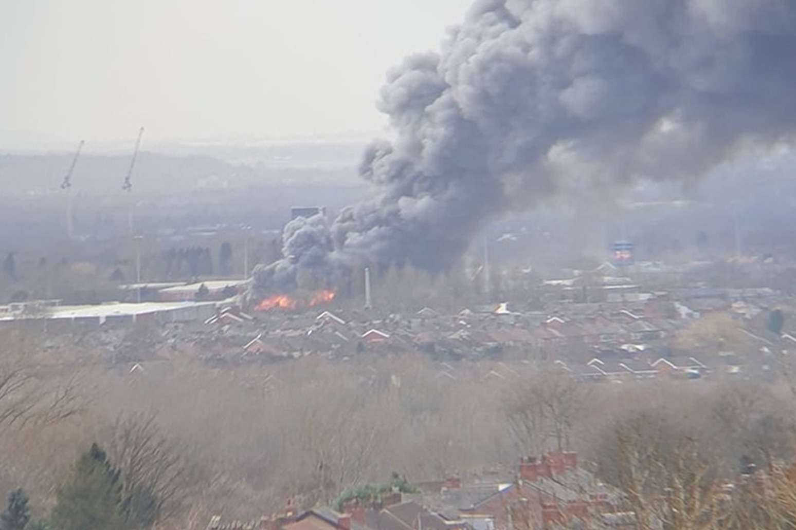 Major incident declared after large fire hits Manchester warehouse