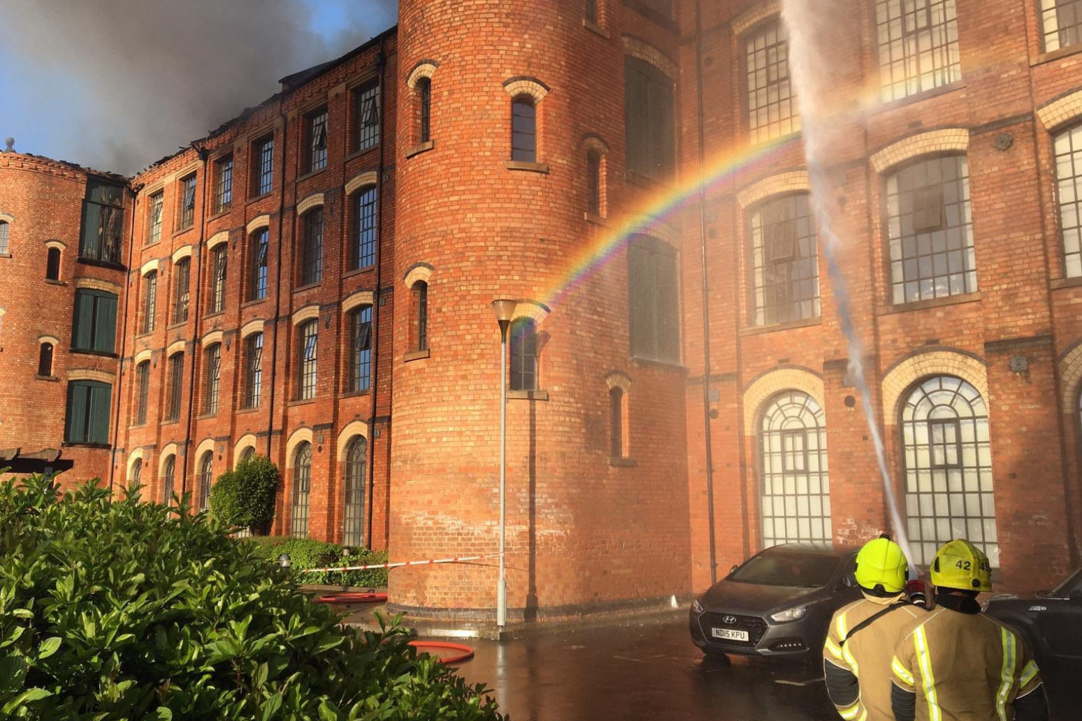 Firefighters tackle blaze at block of flats in Nottingham