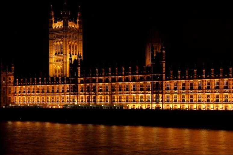 MP\'S DEFEAT THERESA MAY\'S GOVERNMENT ON BREXIT LAW