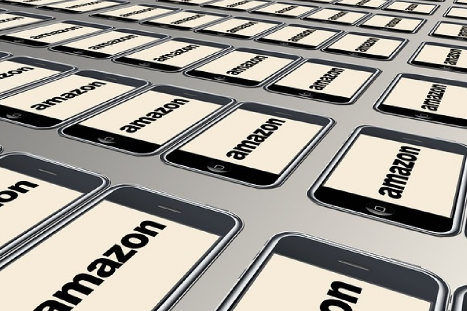 Amazon chief claims he\'s being blackmailed