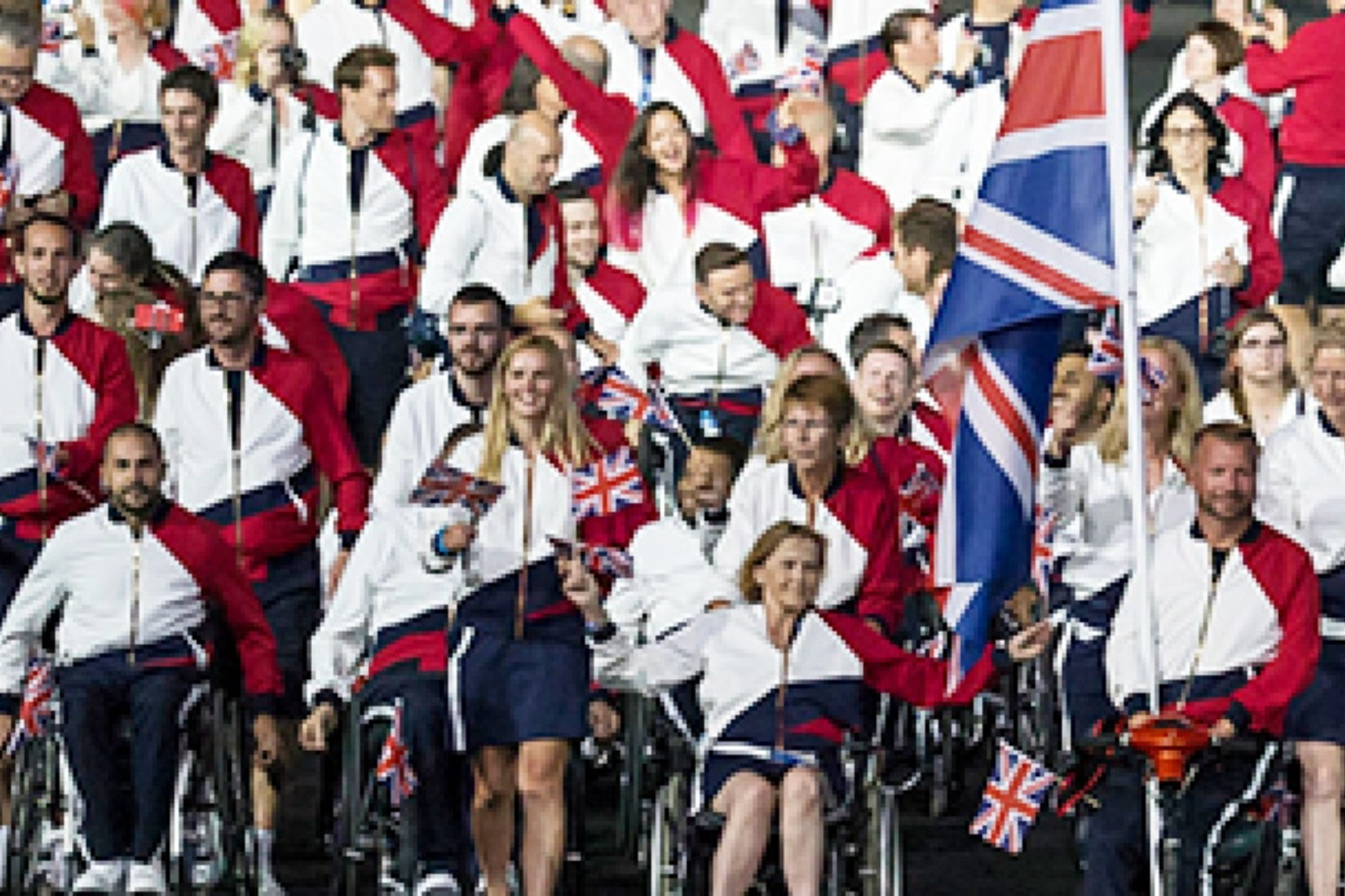 Queen sends congratulations to 'inspirational' Paralympic competitors.