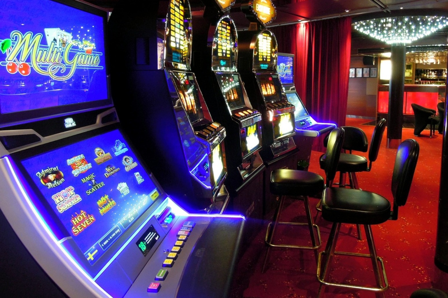 Top stake on gambling machines to be cut to £2