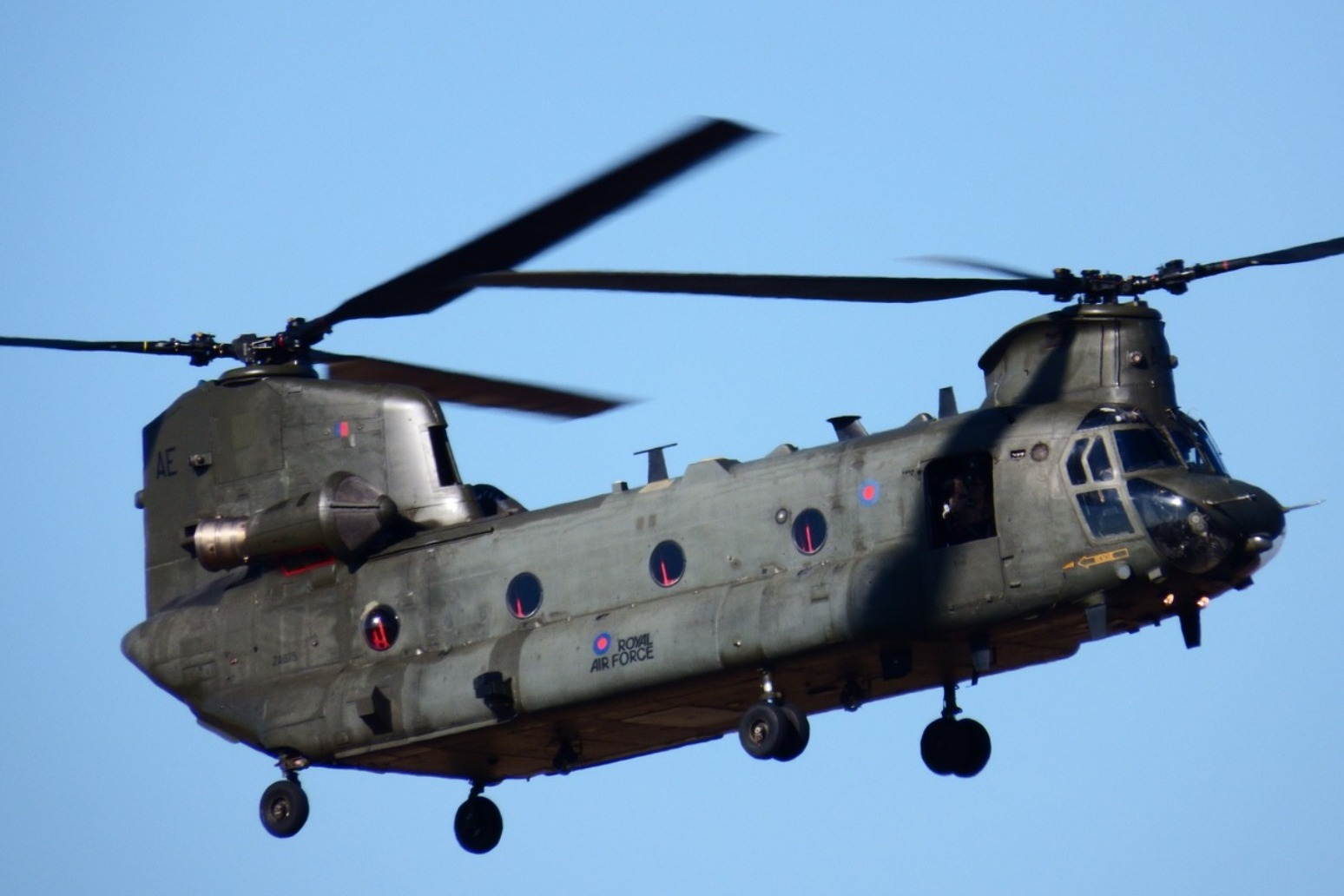 RAF HELICOPTER BROUGHT IN TO SHORE UP DEFENCES IN FLOOD-HIT YORKSHIRE