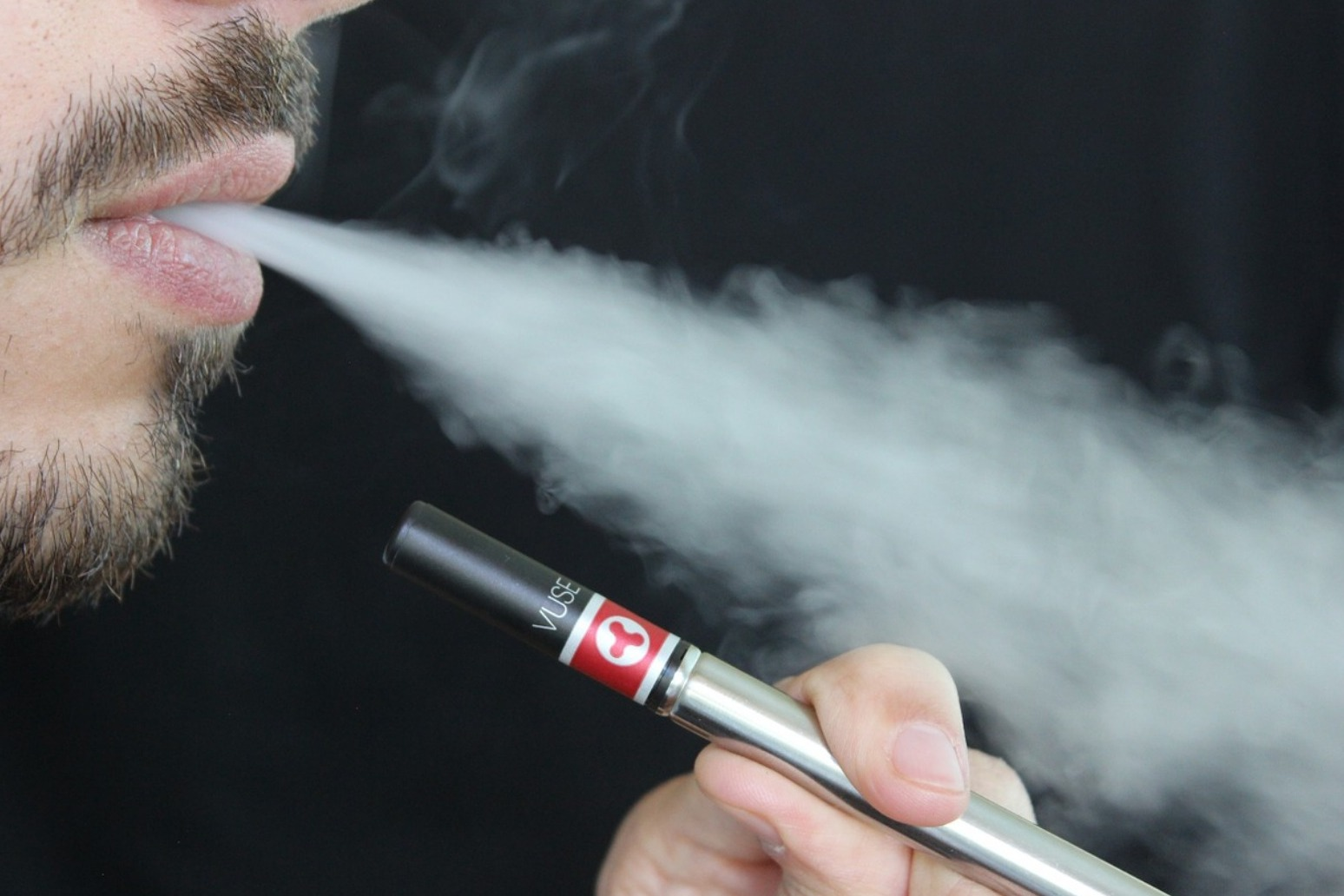MPs call for rules around e-cigarettes to be relaxed in the future