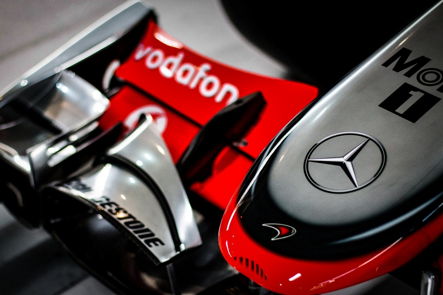 Austrian motor racing great Niki Lauda, who survived fiery crash, dies