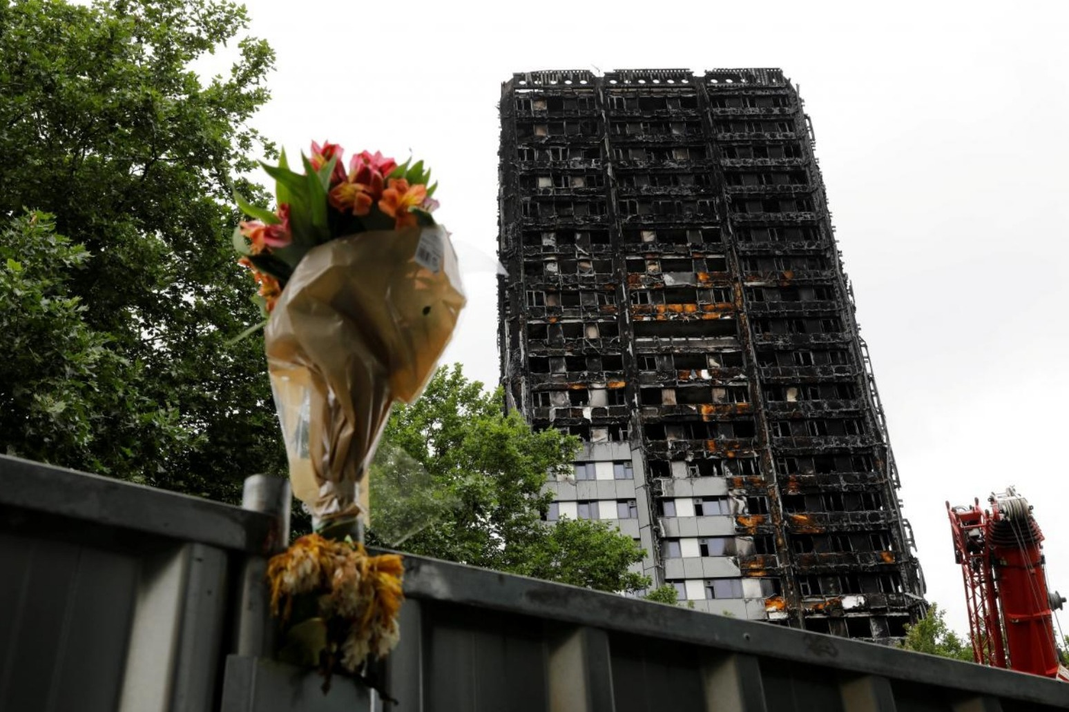 Minute\'s silence for Grenfell Tower victims