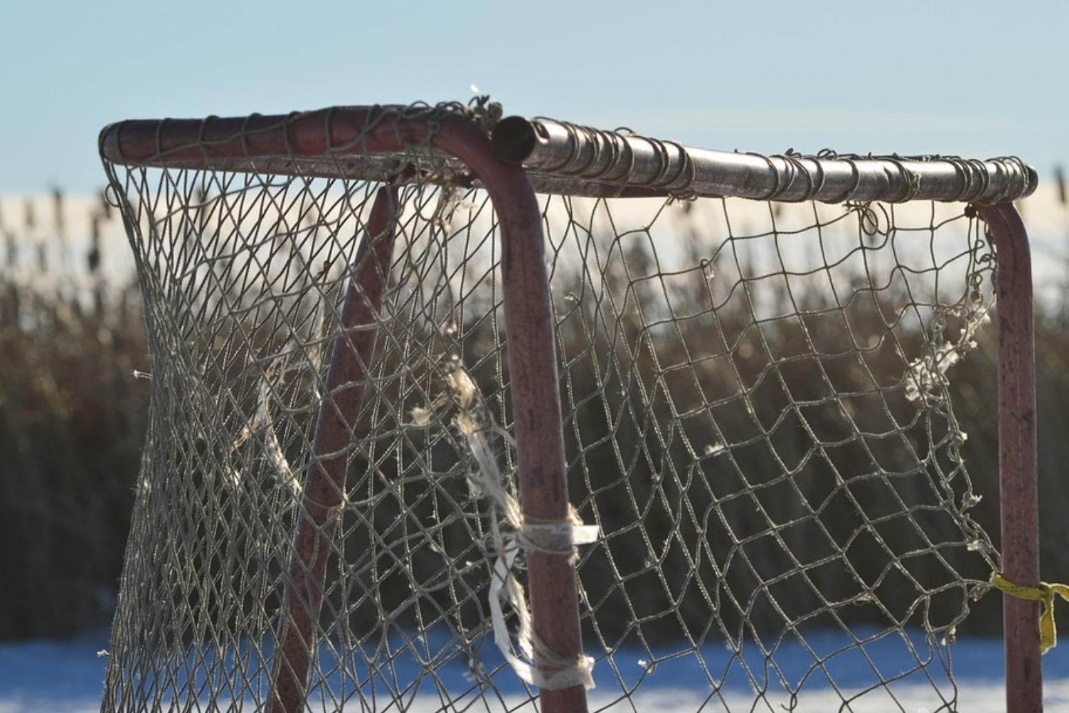Fourteen killed in Canadian youth hockey team bus crash