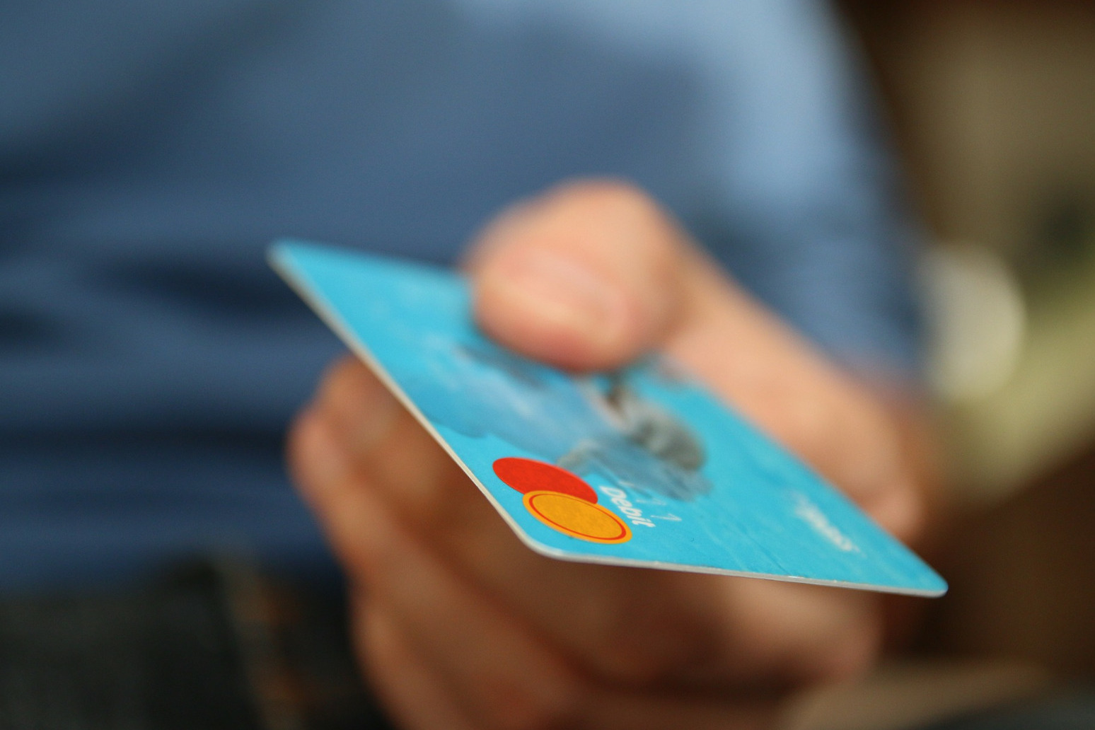 BIG INCREASE IN AVERAGE HOUSEHOLD DEBT, STUDY SUGGESTS