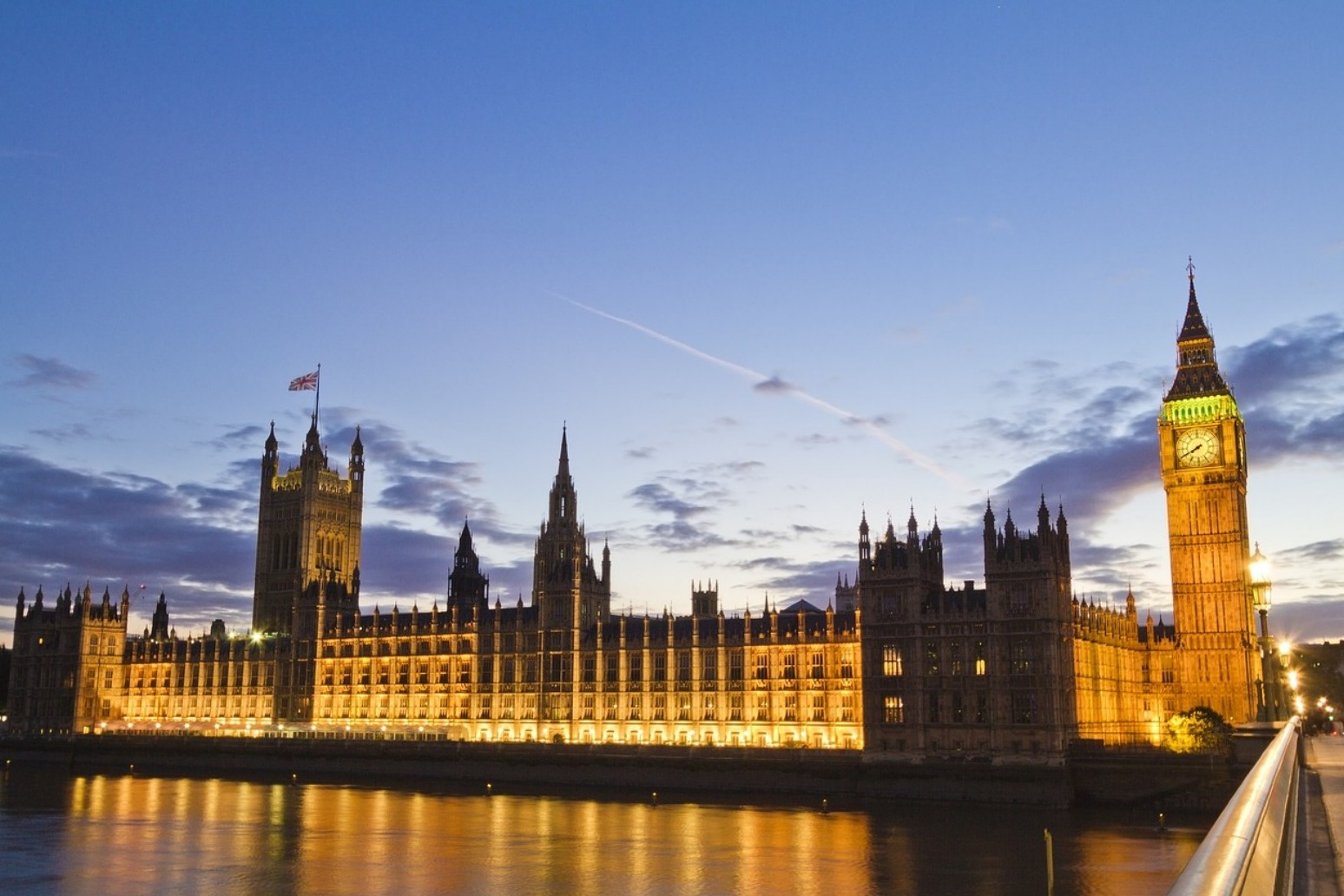 MPs warn that deadline for Brexit will be missed.