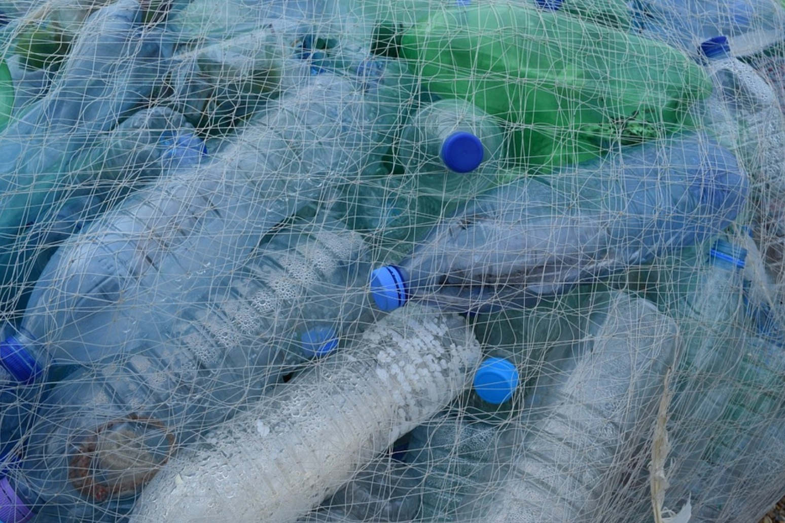 Plans announced to charge to curb plastic waste