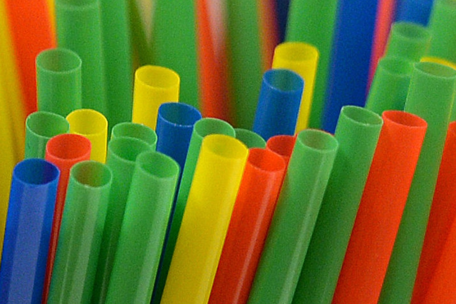 NHS PLEDGES TO CUT PLASTIC IN CANTEENS AND ACROSS CATERING