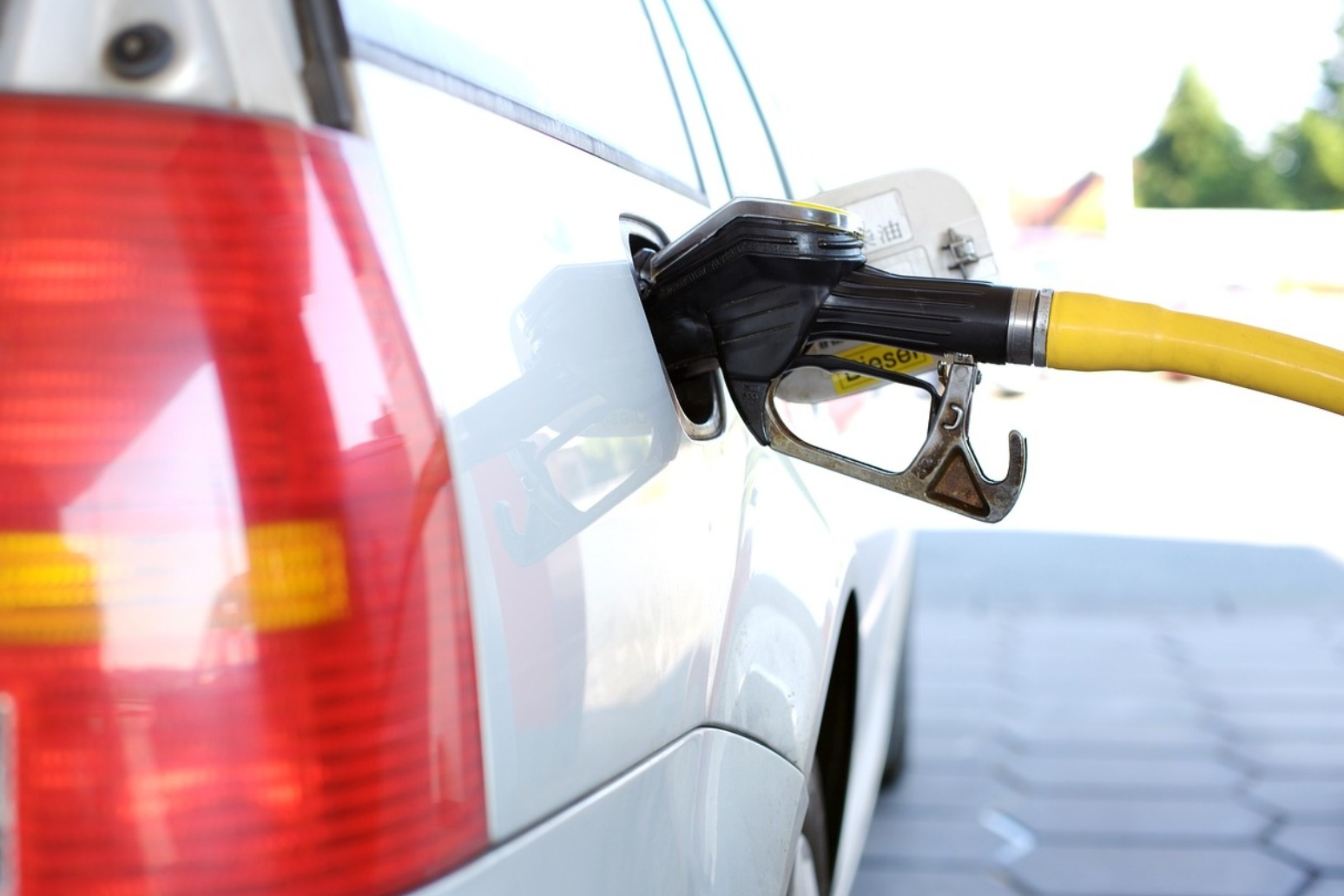 PETROL PRICES SET FOR CHRISTMAS RISE