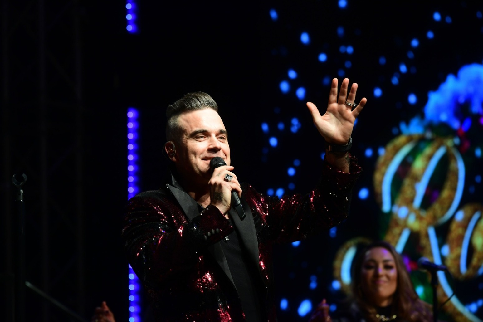 ROBBIE WILLIAMS\'S WIFE KO\'S HIS PLANS FOR BOXING MATCH WITH LIAM GALLAGHER