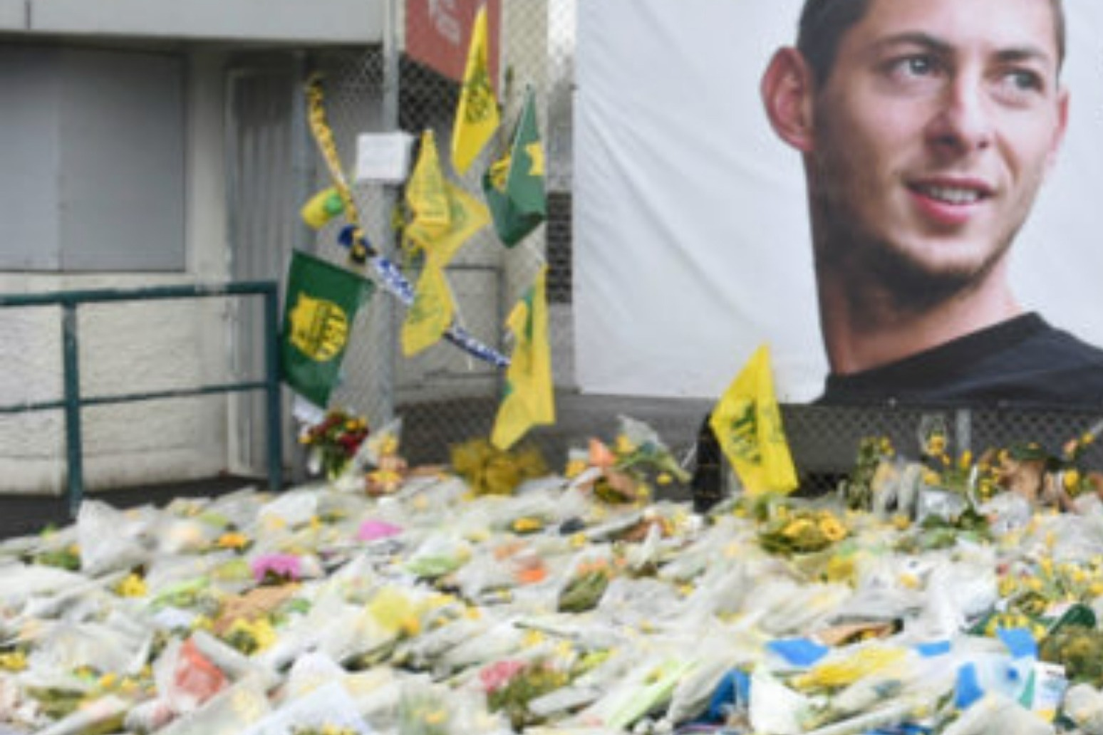 Thousands gather for funeral of Emiliano Sala