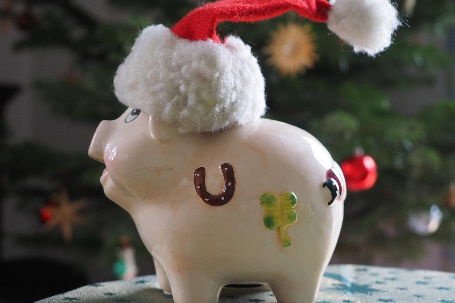 \'Start saving for Christmas now\' - Money Advice Trust