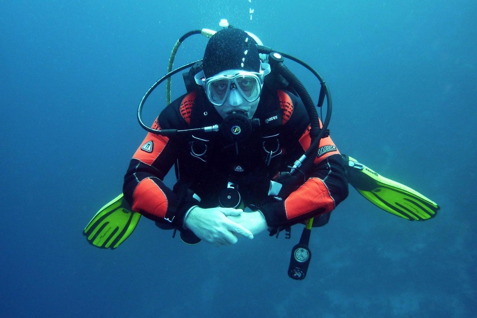 Scuba man dies in Australian shark attack