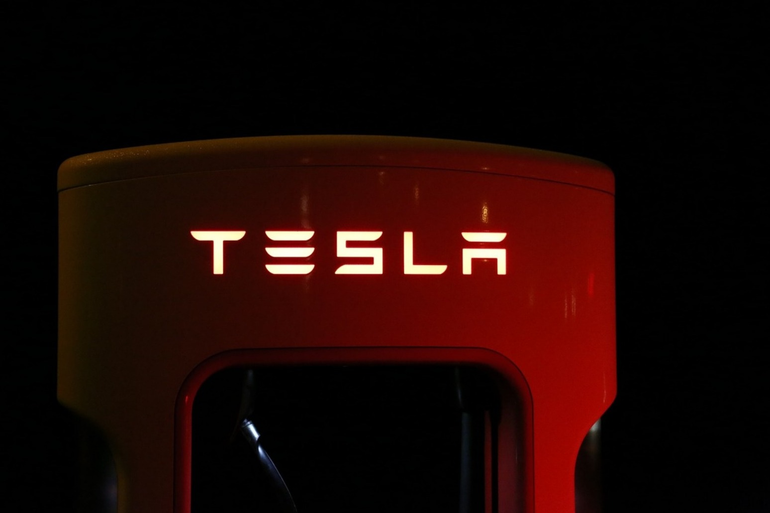 Tesla taking orders for its Model 3 car