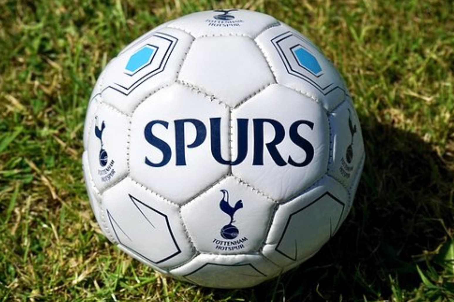 Spurs have slender advantage over City