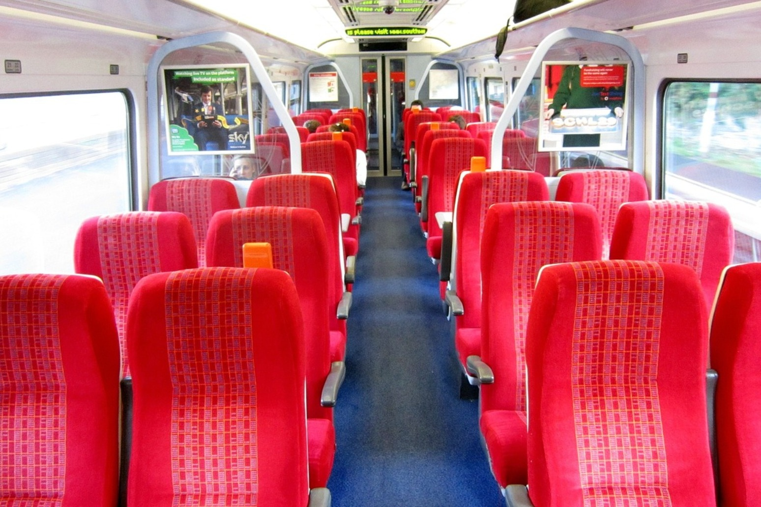 Thousands of new train carriages to be introduced