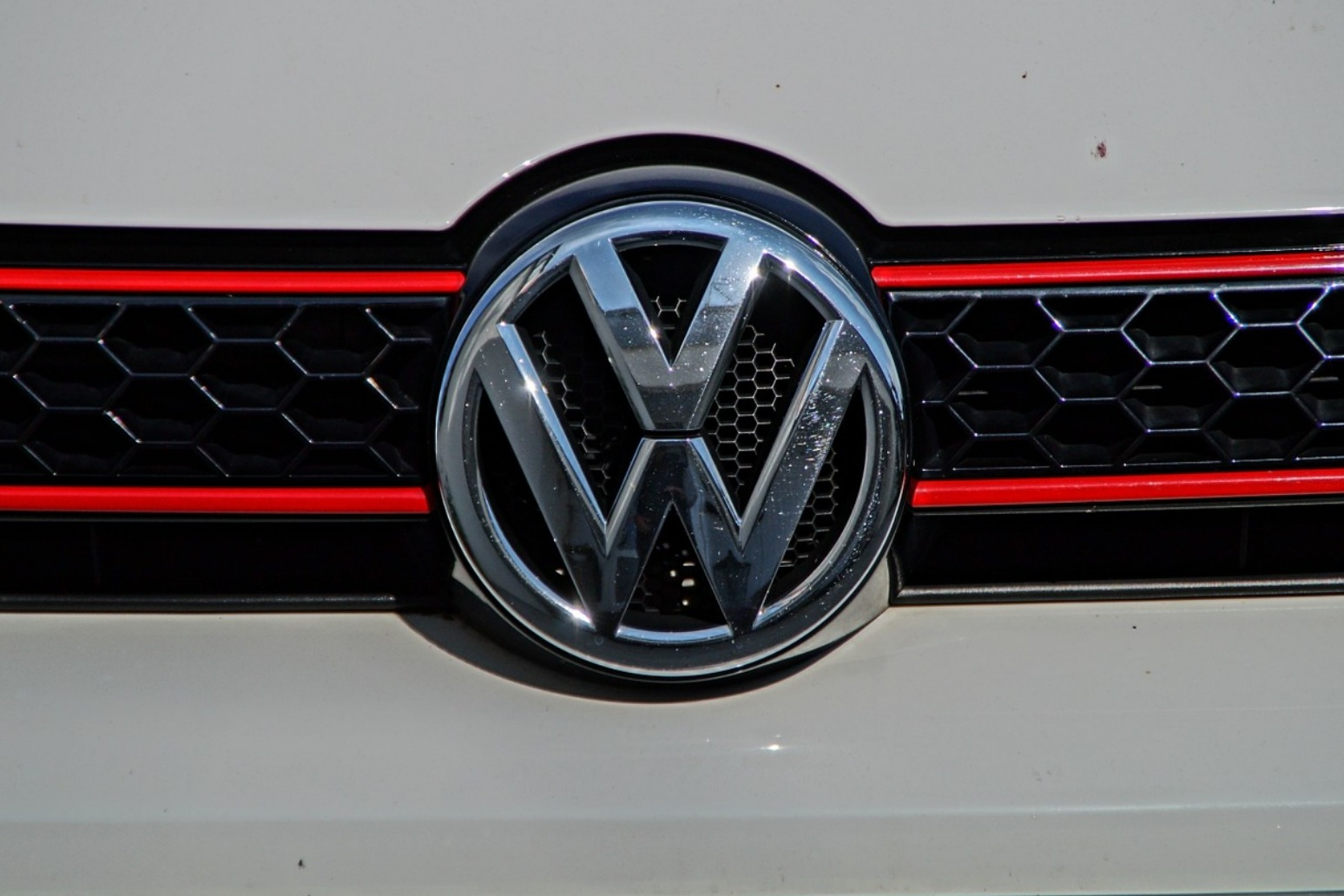 Concerns over VW handling of seatbelt issue