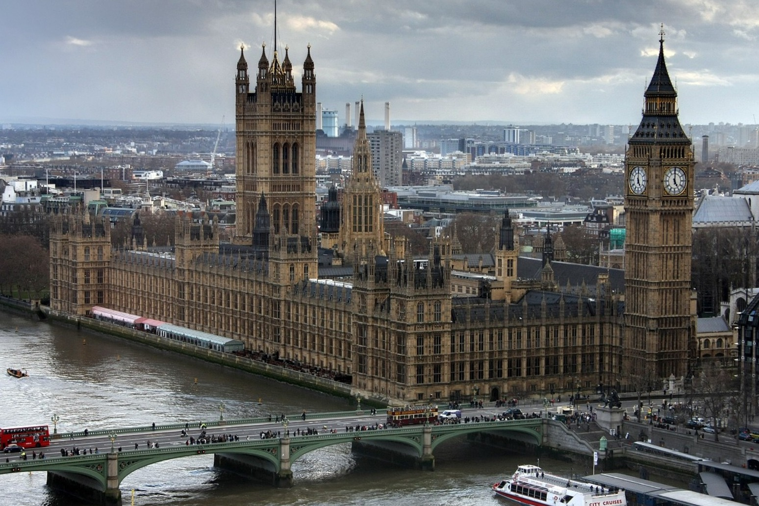 UK to implement plans for no-deal Brexit